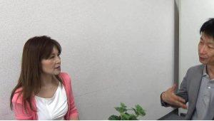 アルコール・薬物依存など心の病を克服した三田さんとの対談写真